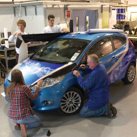 Oxford Brookes students wrapping a Ford Fiesta with Metamark MD-X Cylinder cast film