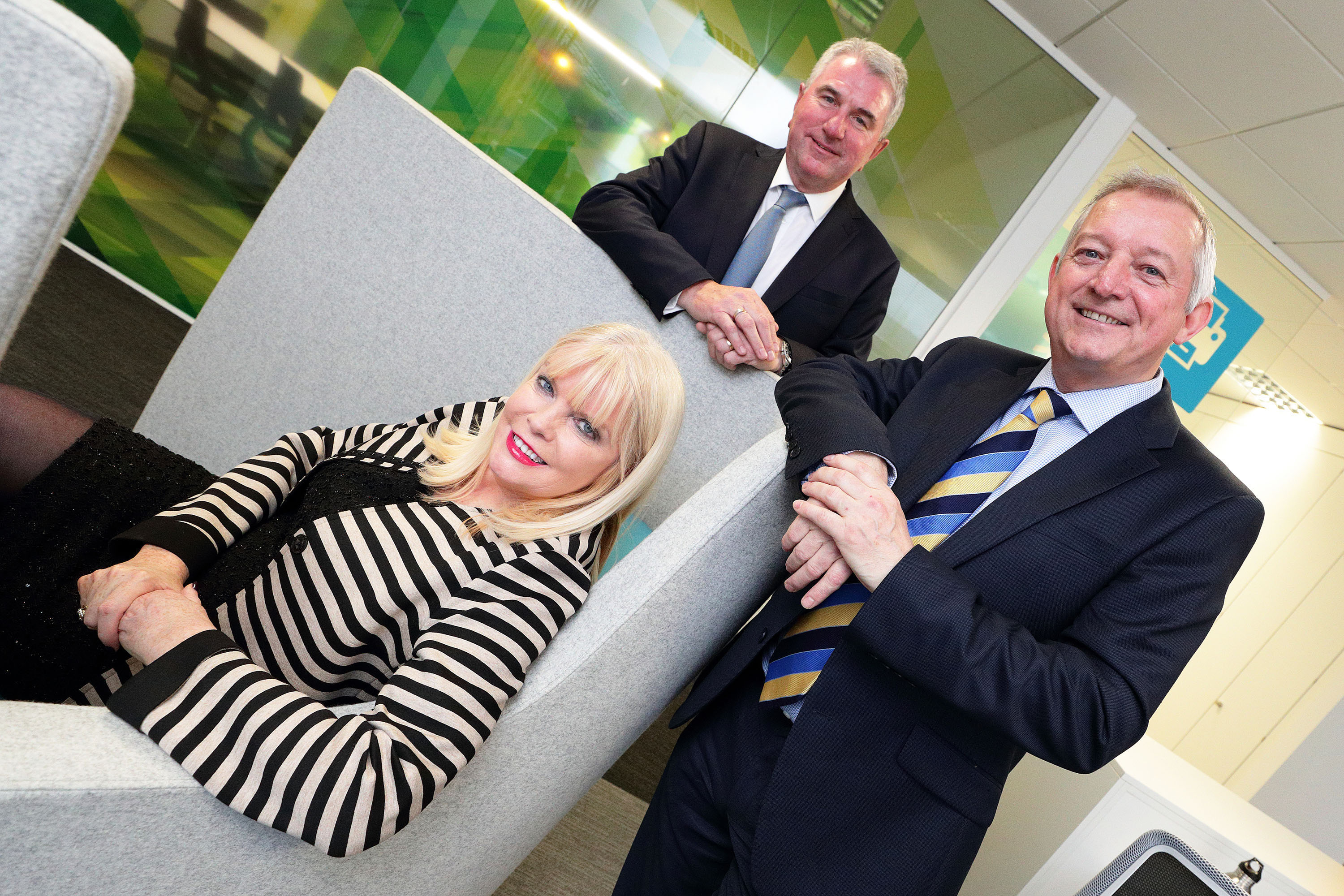 (4)	Pictured at the opening of Ricoh's new Irish headquarters in Airside Business Park, Swords, Co. Dublin are (L to R) Minister for Jobs, Enterprise & Innovation, Mary Mitchell O'Connor TD; Phil Keoghan, CEO, Ricoh UK and Ireland; and Gary Hopwood, General Manager, Ricoh Ireland